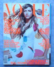 Vogue Magazine - 2000 - April